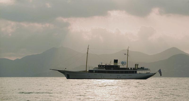 5Charter-Yachts-03-big